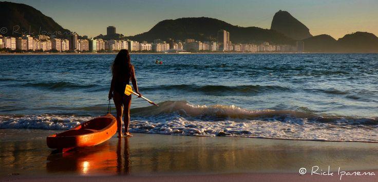 """https://flic.kr/p/rjmgTd   Garota de Copacabana - Girl from Copacabana - Praia de Copacabana - Rio de Janeiro - Rio450 #CopacabanaBeach #Rio450anos #Rio450Years   . ♫  """"Eu tenho uma pequena, aiii Que mora em Copacabana E gosta de andar bacana, toda semana Ela vem, com vestido alinhado de godê todo plissado          Quando ela passa todo mundo fica admirado Eu ando até encabulado, Ai, que ela é tão boa Que parece a patroa e eu empregado Eu ando pronto e afamado""""                     ..."""