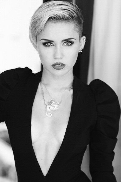 Miley Cyrus is simply gorgeous!!!