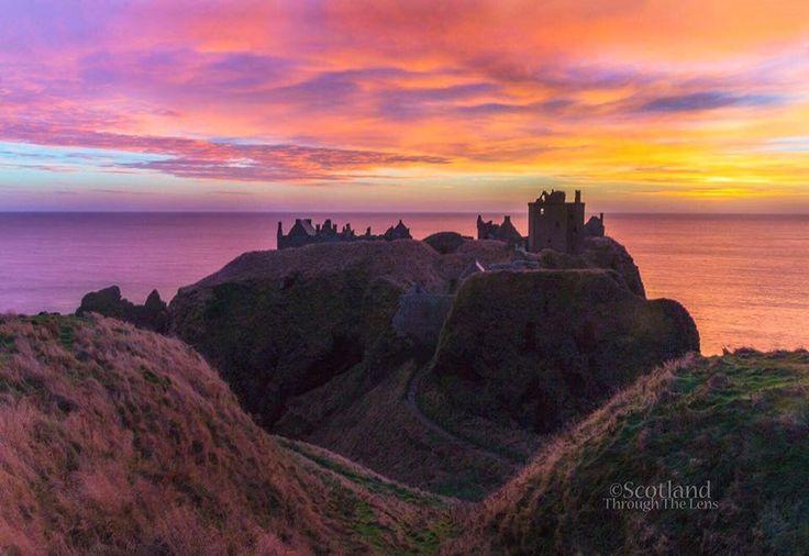 Sunset at Dunnottar Castle in Stonehaven, Aberdeenshire