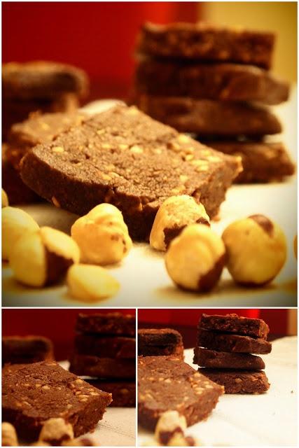 Spelt Cookies with cocoa and hazelnut - biscotti al farro con cacao e nocciole http://valycakeand.blogspot.it/2013/01/le-fettine-langarole-del-maestro.html