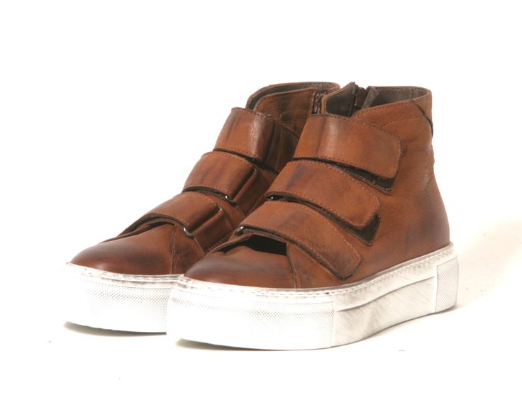 Lofina - Pure Premium Footwear