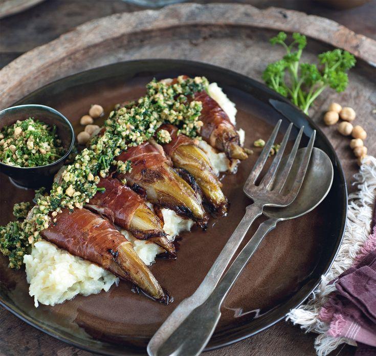 Witlof in ham met knolselderpuree, en een botersausje van noten en peterselie | Pascale Naessens