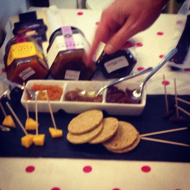 Cheese and Chutney tasting at Cranachan & Crowdies on the Royal Mile
