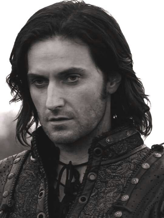 Richard Armitage as Guy of Gisborne.... I'm buying the series as we speak!!!