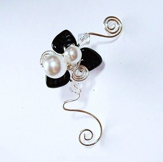 Black & White ear cuff with a vintage inspiration