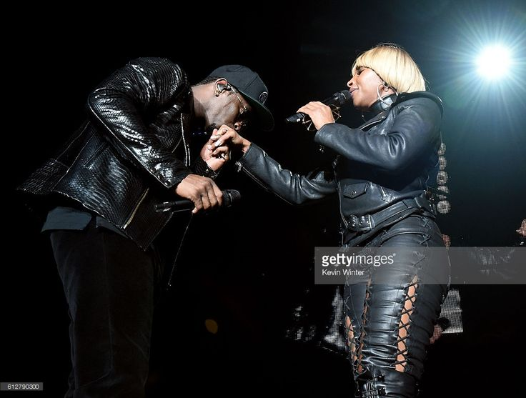 Sean 'Diddy' Combs (L) and Mary J. Blige perform onstage during the Bad Boy Family Reunion Tour at The Forum on October 4, 2016 in Inglewood, California.