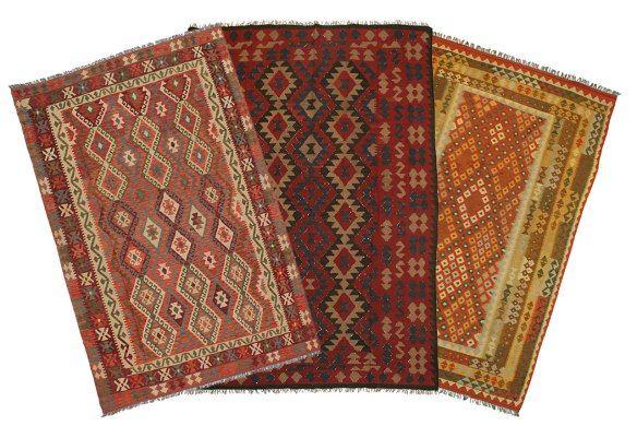 Ukens teppe: Kelim | Orientalsk Teppestudio
