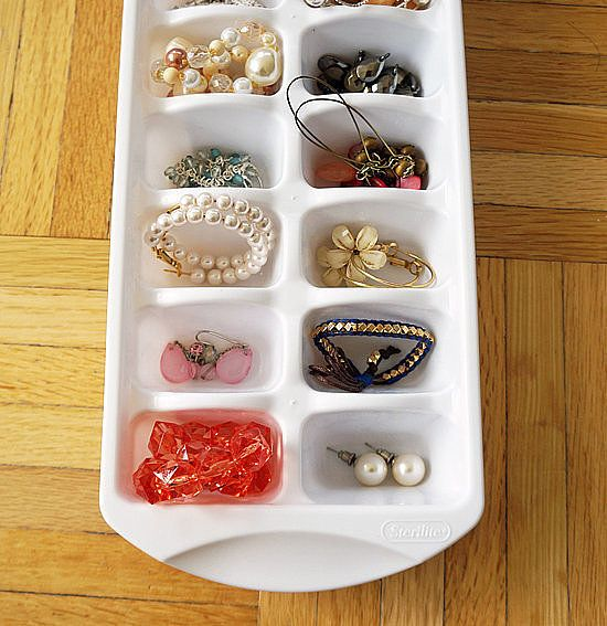41 Insanely Awesome Organization Hacks: Read on for some of the cleverest organization DIYs and tricks that will get your home orderly in no time.