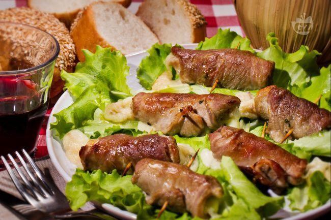 Le bombette sono un secondo piatto tipico della cucina pugliese a base di…