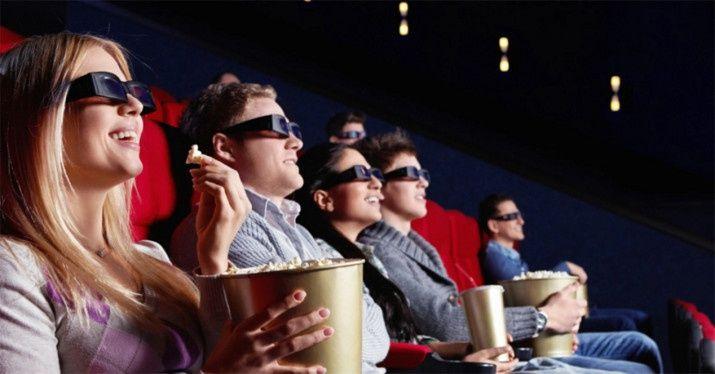 Después de un tiempo de negociaciones, el Gobierno ha llegado a un acuerdo con Ciudadanos para elaborar unos presupuestos. El Consejo de Ministros ha acordado una reduccióndel IVA cultural que tan polémicamente el PP subió hasta el 21% para espectáculos en directo como conciertos, el teatro o los toros, así como también afectaba al cine. A partir de ahora, ese IVA estará al 10%, pero el del cine se mantendrá...