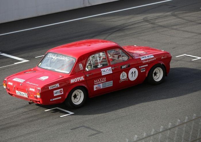 """Dzintara Volga, a """"Nascar russa"""" - ou """"quando táxis viram carros de corrida"""" - FlatOut! #GAZ24 #volga"""