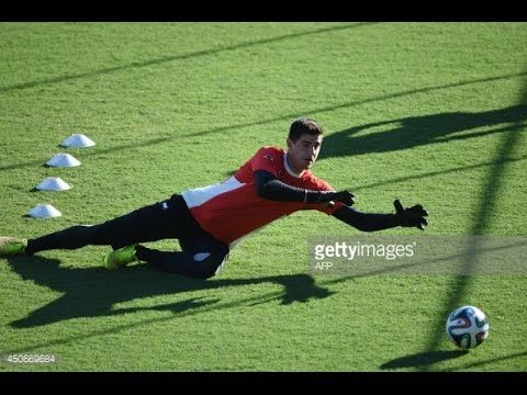 Goalkeeper training - Thibaut Courtois training (  Chelsea and the Belgi...