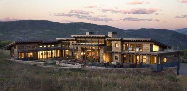 Spectaculaire maison bois et pierre contemporaine dans les montagnes du Colorado   Construire Tendance