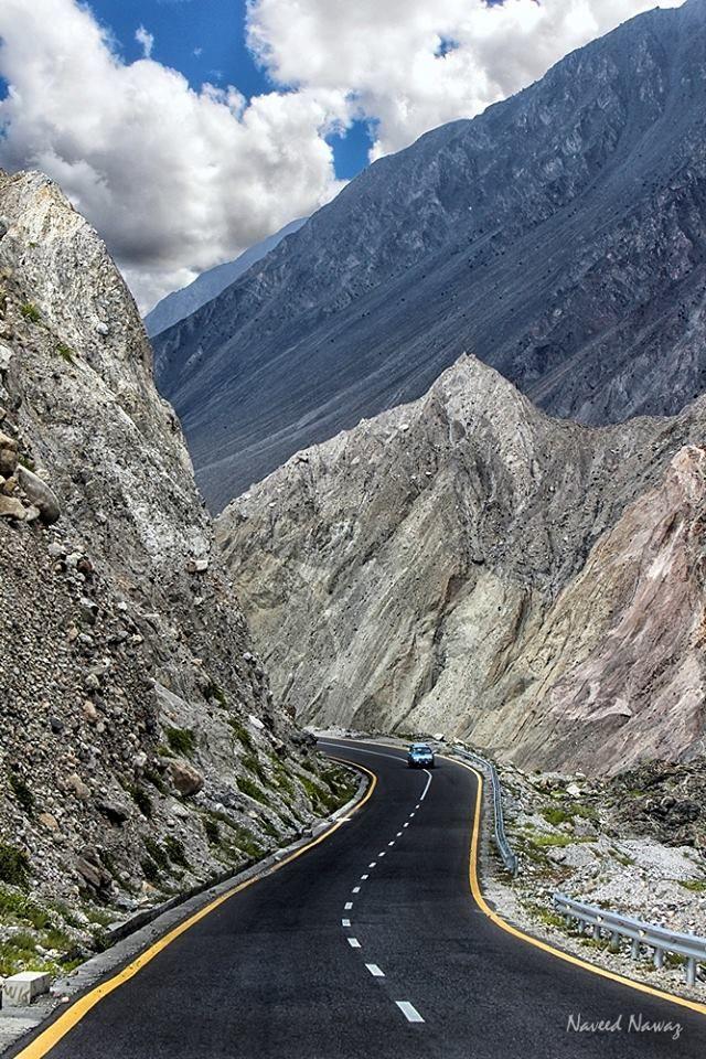 The Karakoram Highway, Gilgit Baltistan, Pakistan