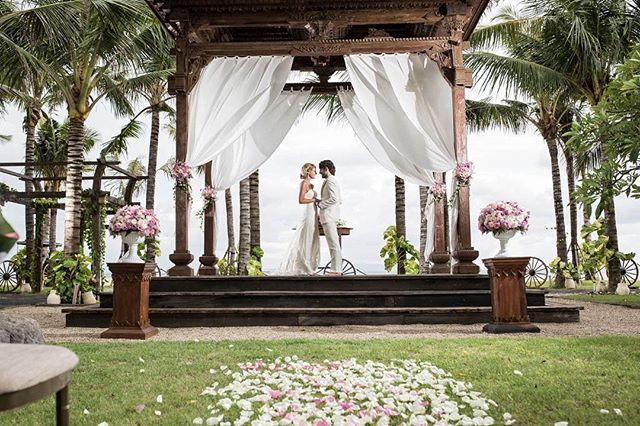 WEBSTA @ botanicaweddings - The journey to happily ever after starts today.Learn more here: www.botanicaweddings.com