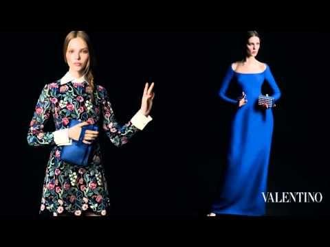 Colecția Toamnă/Iarnă '13-'14 a celebrei case de modă Valentino este și de această dată de o eleganță transpusă la superlativ! Cei doi fotografi, Inez & Vinoodh, numiți pentru realizarea campaniilor de advertising au surpins cu foarte multă acuratețe detaliile pieselor vestimentare și evident și pe cele ale modelelelor de ochelari.