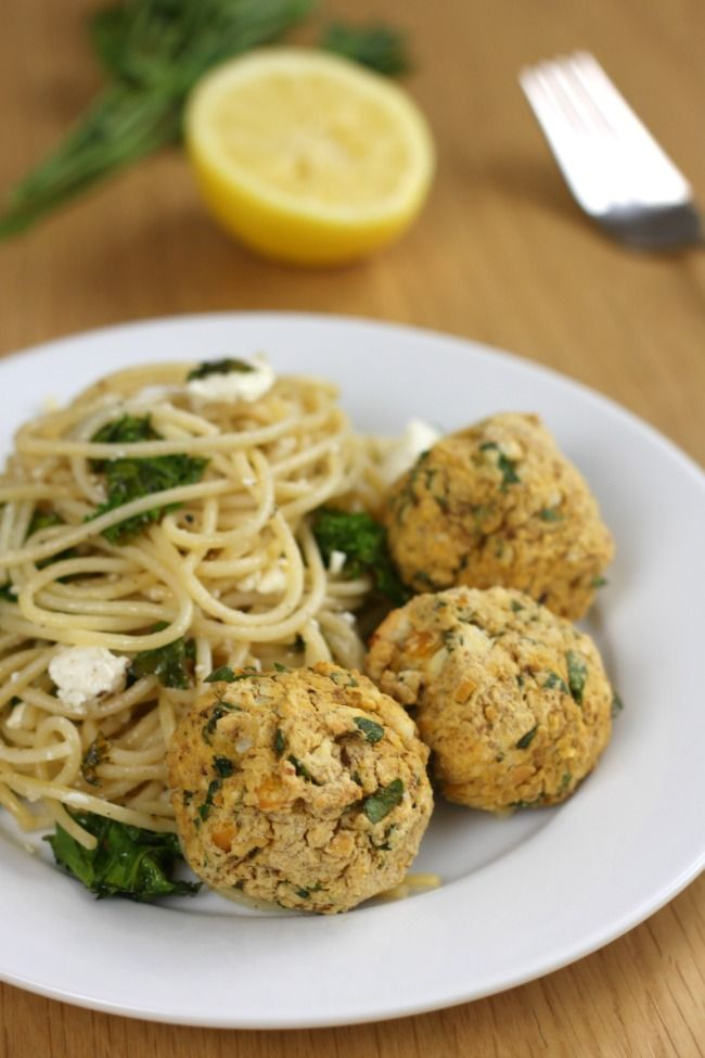 Lemon and feta chickpea meatballs (vegetarian!) - really quick and easy to make, and perfect with spaghetti!