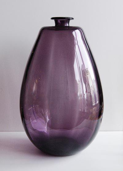 Paarse vaas ontwerp Chris Lebeau Leerdam / Holland 1924-'25