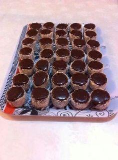 "Prajitura ""Sapca cazacului"",cocos,ciocolata"