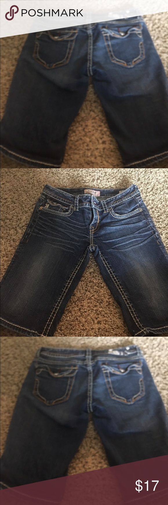 Buckle jean shorts size 27 Mek BNM jean shorts from the buckle store - great condition , can roll up or leave down , could cut shorter ... mid waist , not too low so cover my love handles ... size 27 MEK Shorts Jean Shorts