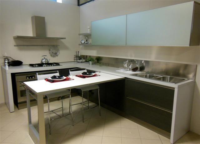 Cucina elmar con tavolo estraibile in legno rovere affumicato comprensiva di elettrodomestici - Cucina tavolo estraibile ...