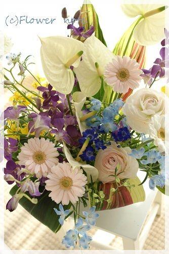 『【今日の贈花】引っ越し祝 春色ハワイアン♪』 http://ameblo.jp/flower-note/entry-11505591575.html