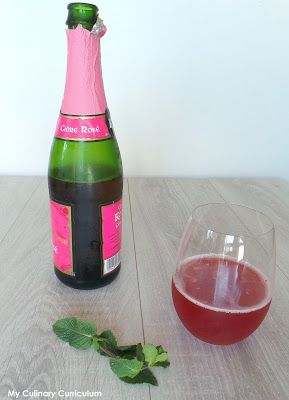 Cocktail au cidre rosé et à la fraise (Pink cider and strawberry cider cocktail)