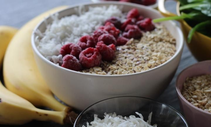 This delicious raspberry and coconut smoothie bowl has all the fruity chill of a smoothie with the added boost of cereal and coconut. It is a full meal of healthy goodness that will keep you going until lunch.