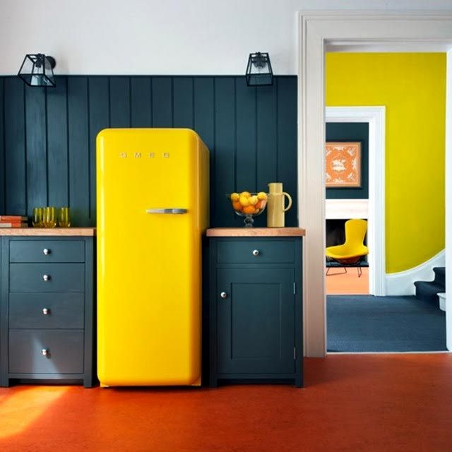 Colored Refrigerators For A Vintage Kitchen Decor
