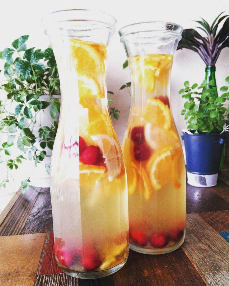 飲んでキレイになれる「日本酒サングリア」。好きなフルーツを浮かべてたのしんで - macaroni