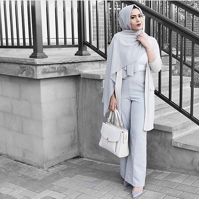 ✨@Sarah.f.khan✨ effortlessly chic in our Light Grey Premium Chiffon Wrap.