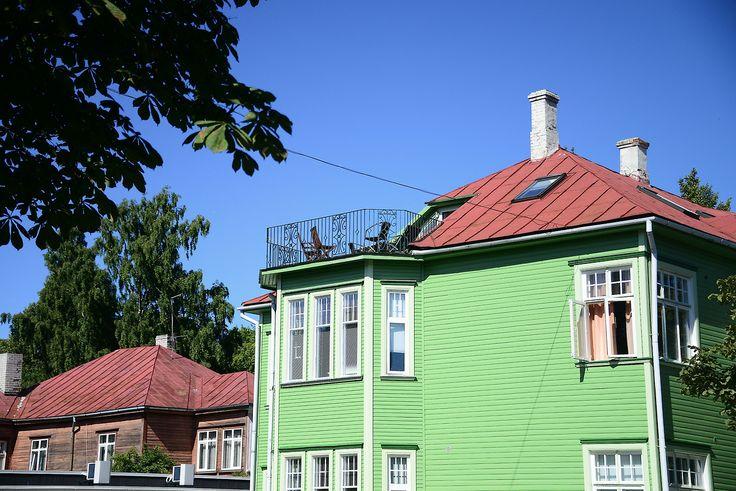 バルト三国とフィンランドの旅2013. http://noriyoshi-ueda.tumblr.com/ Rīga/Latvija→Pärnu→Kihnu island/Estonia   6日目。7時に宿を出発し、バスターミナルへ。リガの旧市街から近くてわかりやすく、とても便...