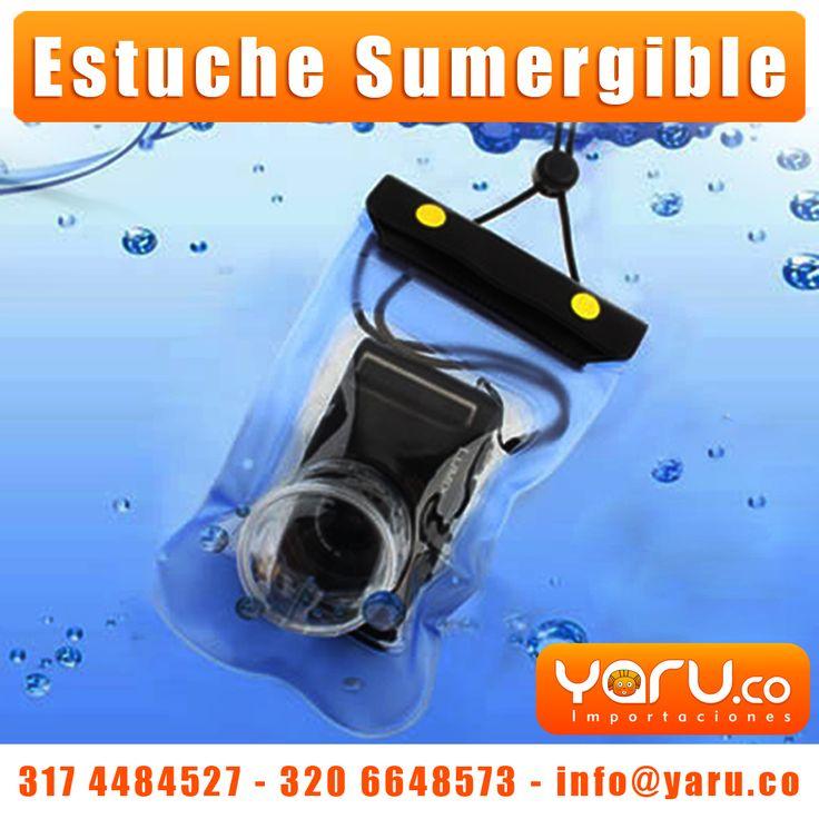 - Cilindro del lente: 5 cm de largo, 5 cm de diámetro  - Material PVC de alta resistencia  - Color: Azul   - Incluye cuerda para colgar del cuello