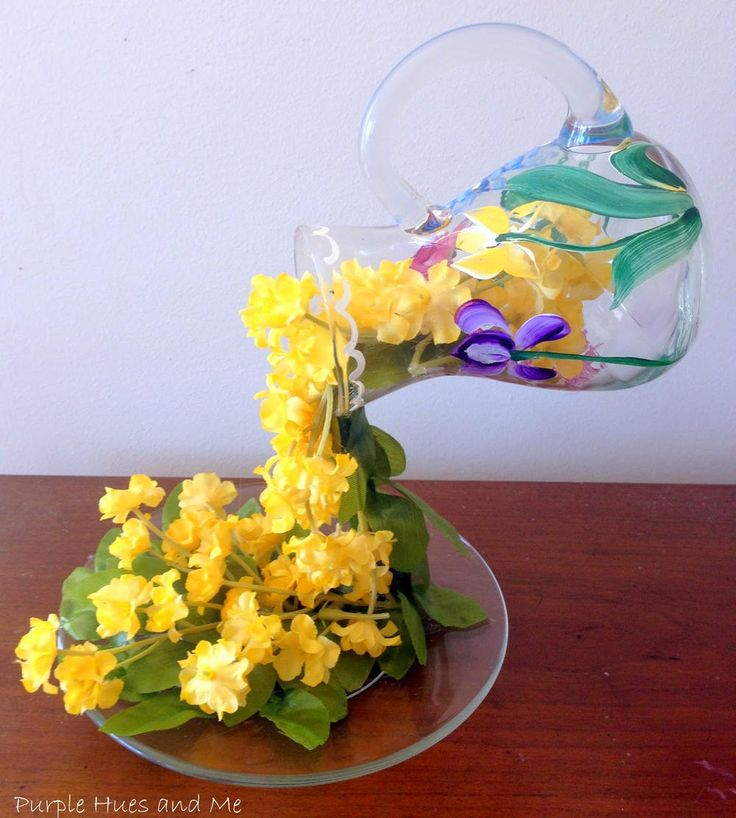 Most Magical Spring Table Decor | this cascading flowers DIY centerpiece is truly amazing!