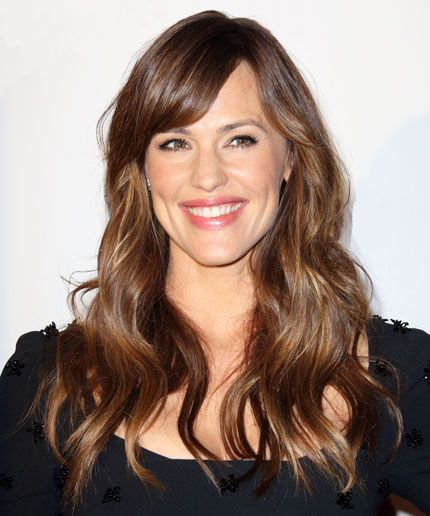 Jennifer Garner has some beauty advice for her 25-year-old self