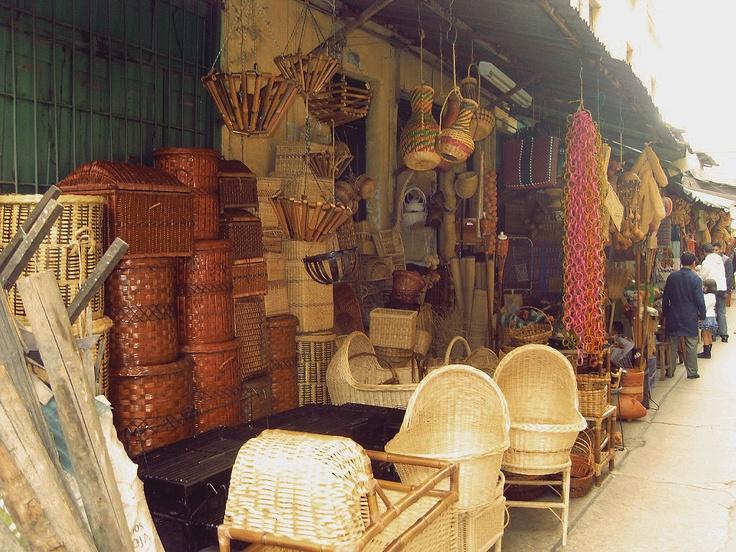 de Bogotá para comprar artesanías de todo el país, hamacas, muebles