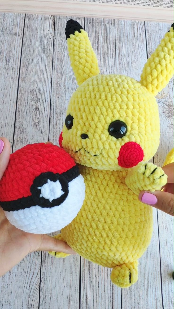 CROCHET PIKACHU & POKEBALL MUSTER – Amigurumi Pokemon Detective Pikachu