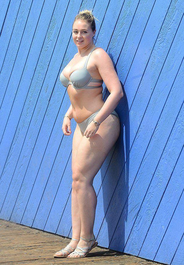 PLUS SIZE MODEL Iskra Lawrence Bikini Photos Gallery