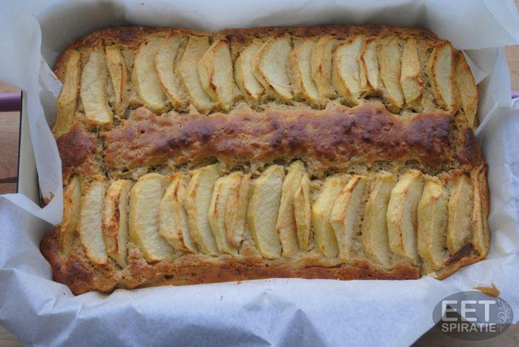 Boekweit appelcake - Deze cake is ook heerlijk met wat Griekse yoghurt als ontbijt. Ook als een bodem voor een trifle is hij erg geschikt. Het is een lekkere luchtige en glutenvrije cake.
