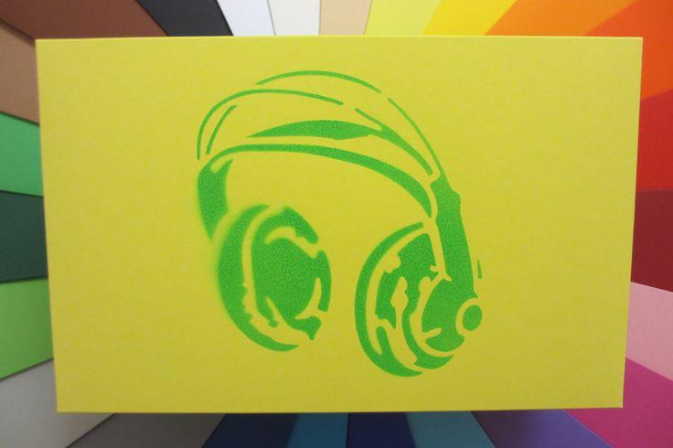 Headphone sprayed on Buntbox XL  ---  gift box geschenkschachtel scatole di regalo caja diy schőnverpackt packaging verpackung geschenk schachtel giveaway stationeryweek stationery paper loisircreatif cardboard creative basteln malen papeterie paperworld