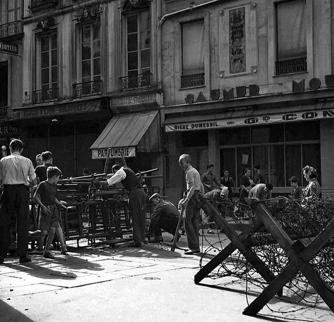 Street barricades of Glass, Paris, August 20, 1944, Serge de Sazo.