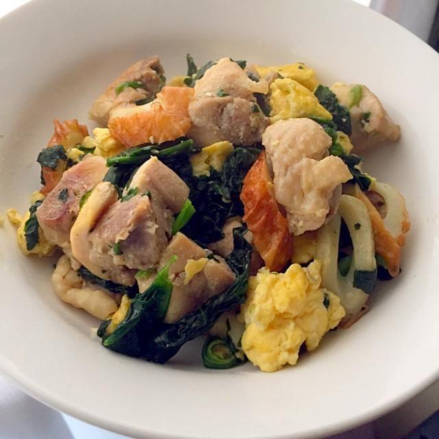 いつも子供がばくばく食べてくれます(﹡ˆ﹀ˆ﹡)♡10分で作れるので楽チン♫ - 6件のもぐもぐ - 鶏肉.卵.竹輪.ほうれん草の炒め物♡ by happytime333