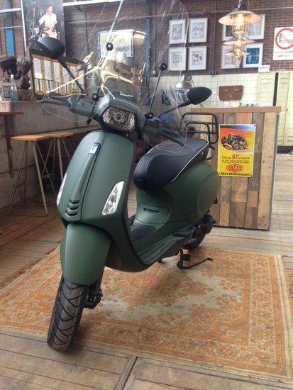 Custom Vespa Sprint Army Green