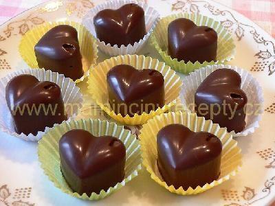 Čokoládová srdíčka s marcipánem