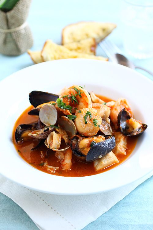 Cioppino recipe - seafood stew with rich and briny flavors. I love it ...