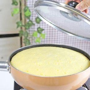 楽天が運営する楽天レシピ。ユーザーさんが投稿した「ぐりとぐらのカステラ(絵本とそっくりに作ろう!)」のレシピページです。あこがれの「ぐりとぐら」のカステラ。フライパンで焼きます。。カステラ。※直径18cmのフライパンでの分量です,薄力粉,卵,グラニュー糖(上白糖でも可),牛乳,バター,フライパンに塗るバターまたはマーガリン