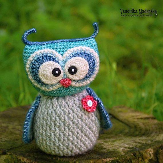 Amigurumi Owl handmade crochet owl toy / decoration door VendulkaM