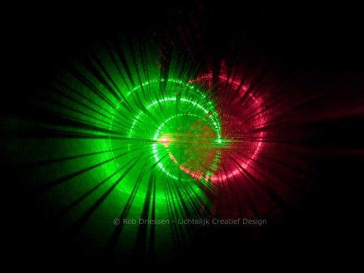 Lightphenomena in a rotating needleforest - dynamic lightinstallation #lightobject #artobject #lightart #handmade #madeinholland #art #lichtkunst #lichtobject #industrial art #industriële kunst #kunst