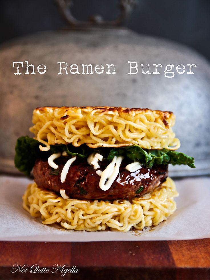 Asiatische Ramen-Nudeln als Alternative zum Burger-Brötchen