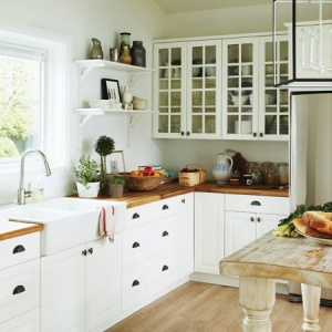 butcher block countertops <3 lovely cottage interior